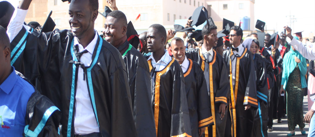 Graduation of the first students